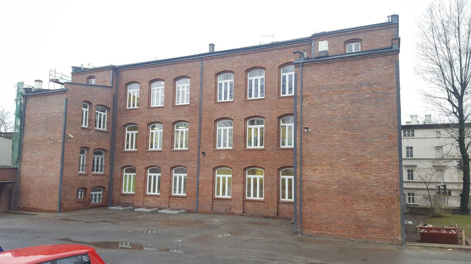 04 Zespół Szkolno-Przedszkolny nr 4 Katowice.jpg